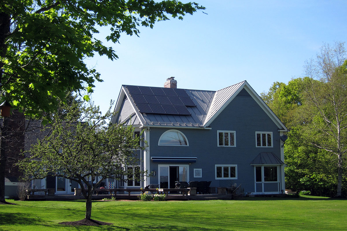 Contemporary home with solar in Stowe