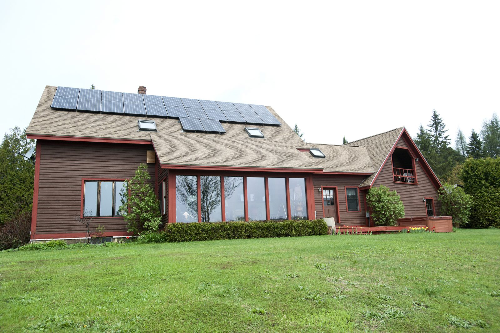 A solar home in Danville